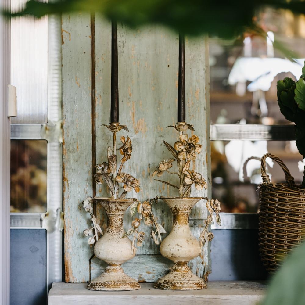 Candelabro vintage in metallo anticato