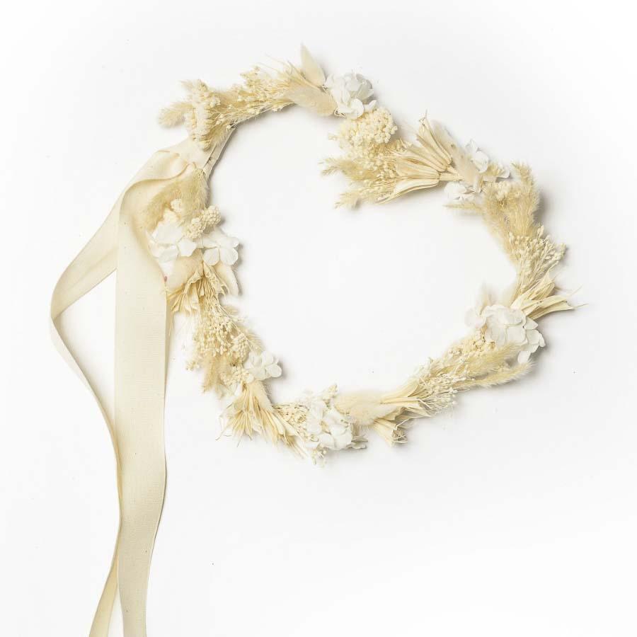 Ghirlanda a forma di cuore in bianco