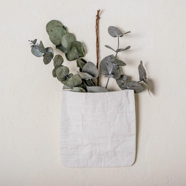 Vaso da appendere con eucalipto